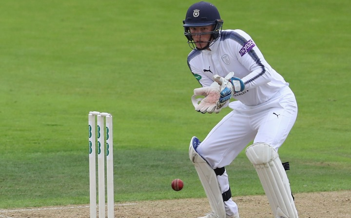 Alsop wicket-keeping as Hampshire retained County Championship Division One status in 2017